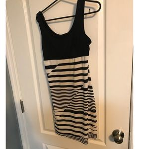Dresses & Skirts - Black & white stripped dress